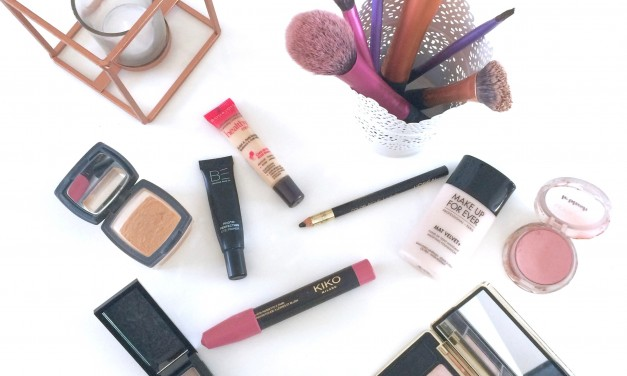 Quels sont les indispensables de la trousse make-up ?